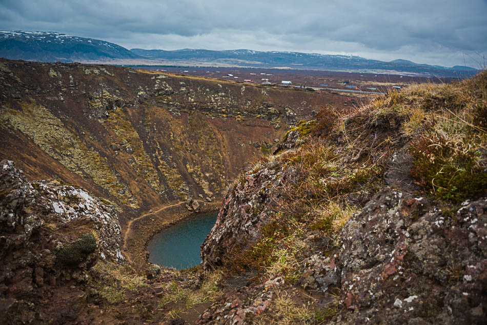 groundwater rises and falls in the crater