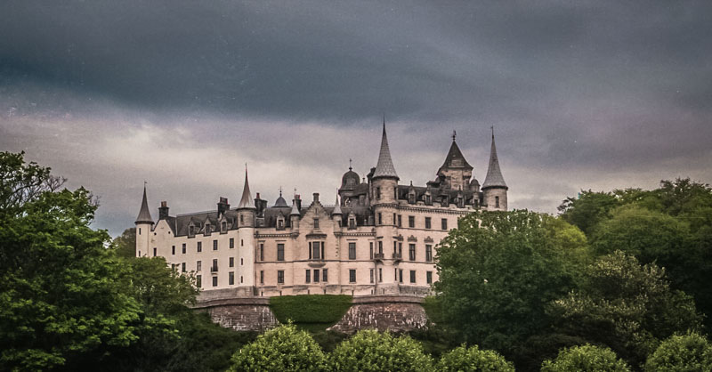 the back view of Dunrobin, looking like a massive French chateau