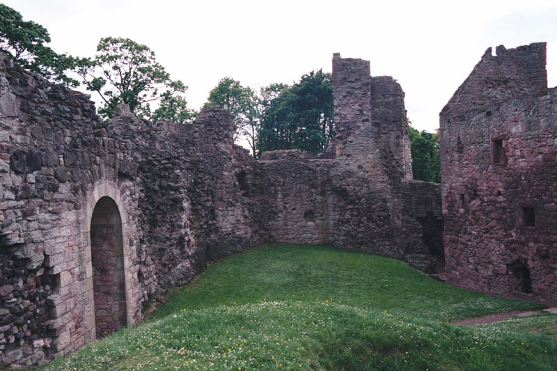 Hailes is a very large castle, wit h an inner courtyard surrounded by buildings