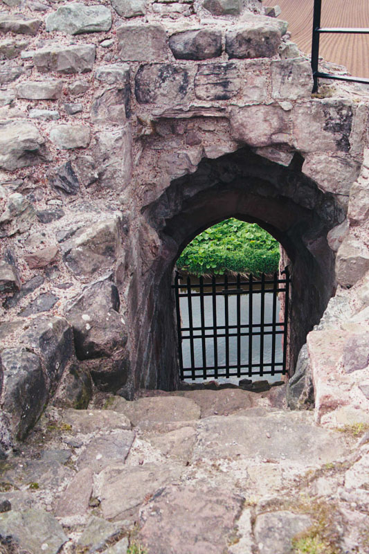 the postern gate of the castle, down to the river tyne