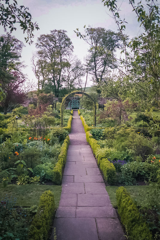 the gardens are phenomenal, including formal gardens, knotwork, and orchards