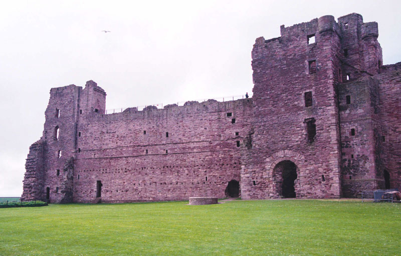 the inner wall between the tower house and end tower