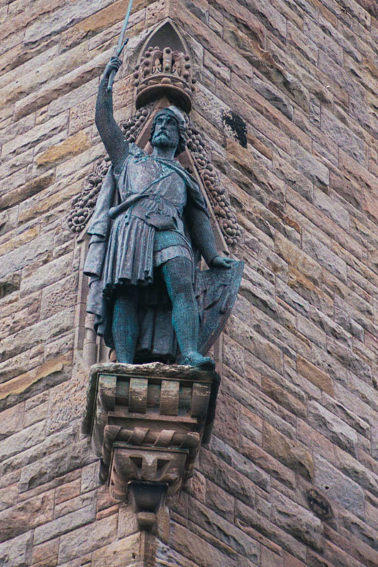 one of the statues of wallace on the outer wall